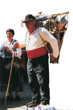 Costume tradizionale maschile
